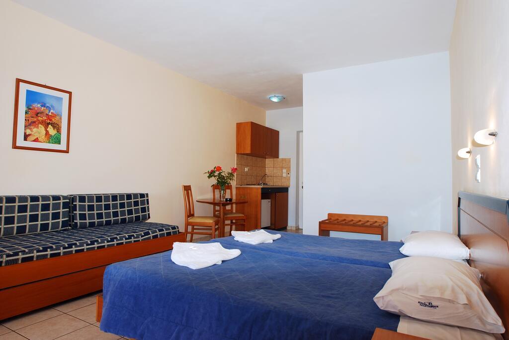 Alykanas Beach Hotel room 1