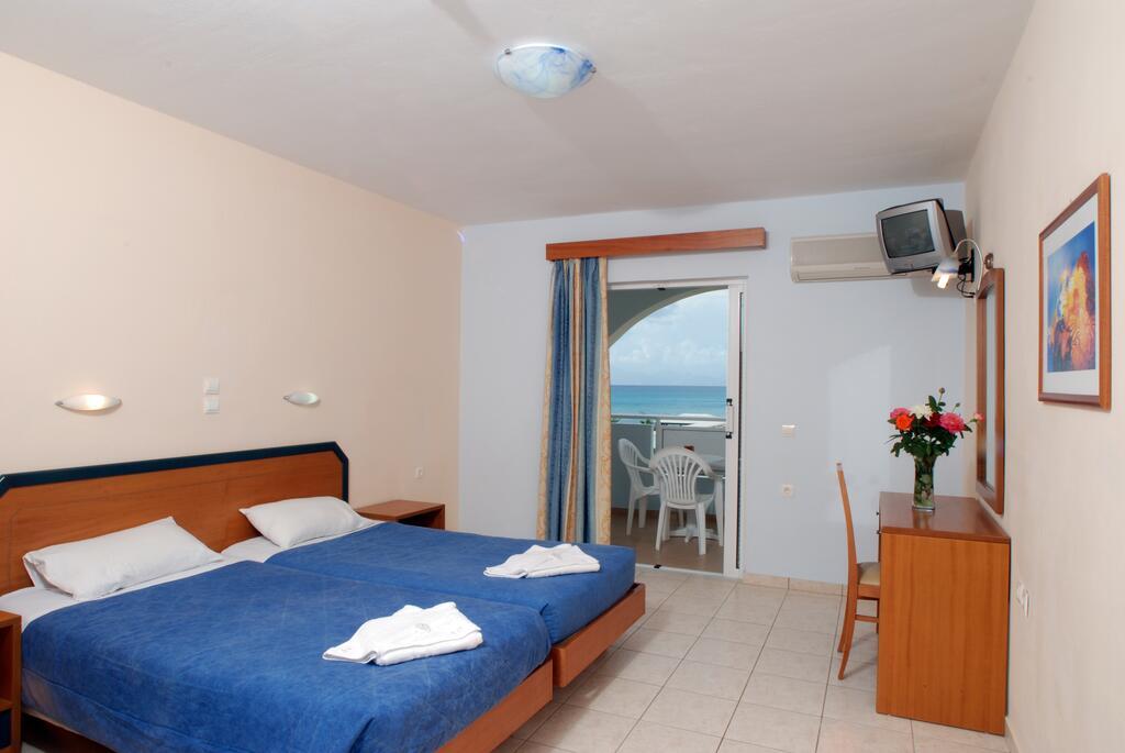 Alykanas Beach Hotel room 2