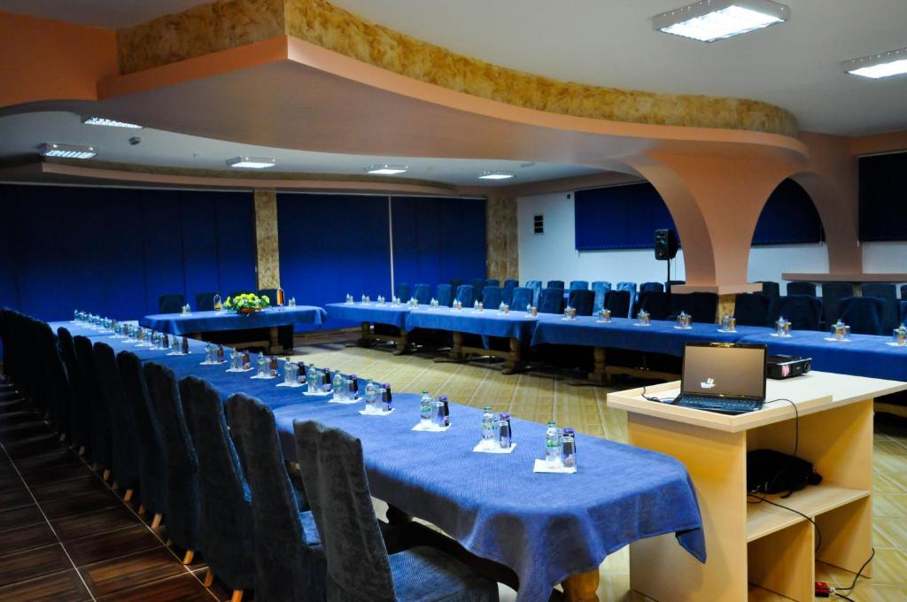 BM International Hotel room 4