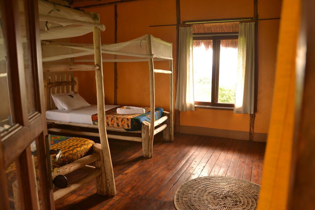 Ishasha Wilderness Camp Topi Lodge room 1